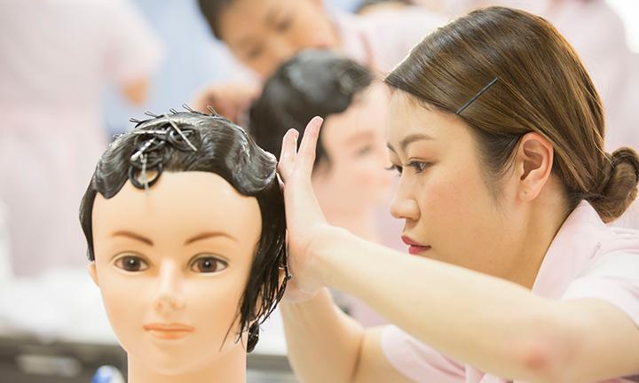 東京の美容学校ハリウッドのカリキュラム オールウェーブ