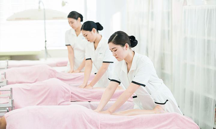 東京の美容学校ハリウッドのエステ研修サロン