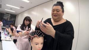 マツコがハリウッド美容専門学校を徘徊
