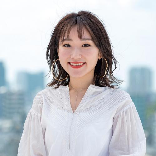 美容学校ハリウッドの卒業生岩崎 桃子さん