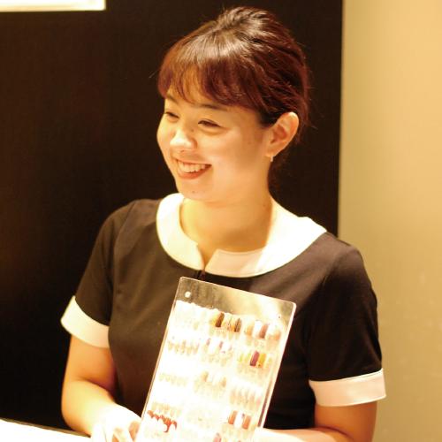 美容学校ハリウッドの卒業生岸田 茉子さん