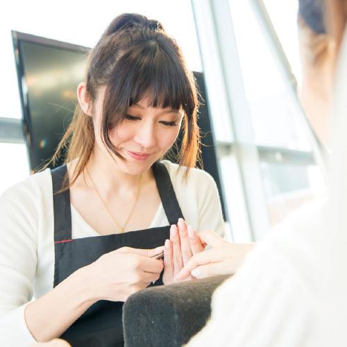 美容学校ハリウッドの卒業生色川 実幸さん