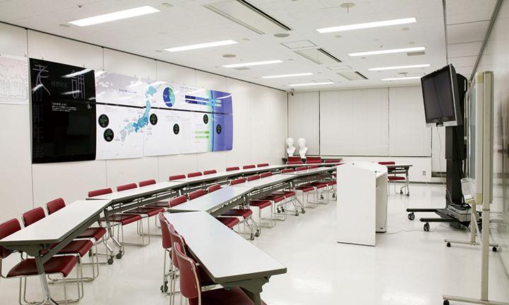 東京の学びを深めるためのハリウッド大学院大学